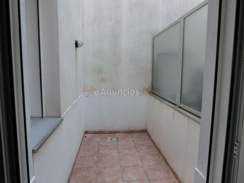 Piso en alquiler de dos habitaciones dos 1616192 for Pisos para patios interiores